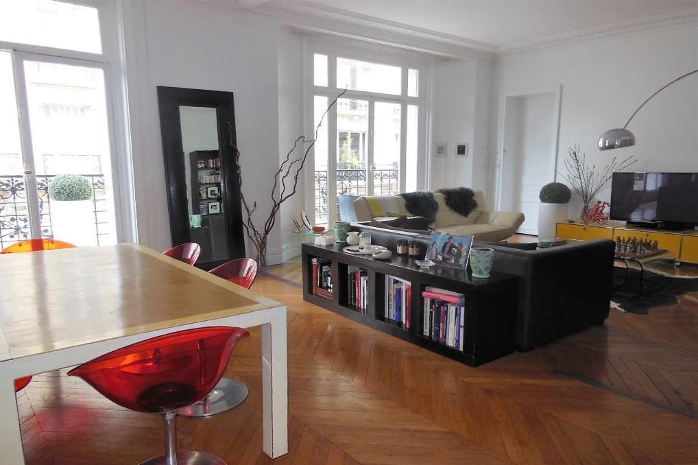 PARIS VII - Bld des Invalides/ Duroc 4400 €