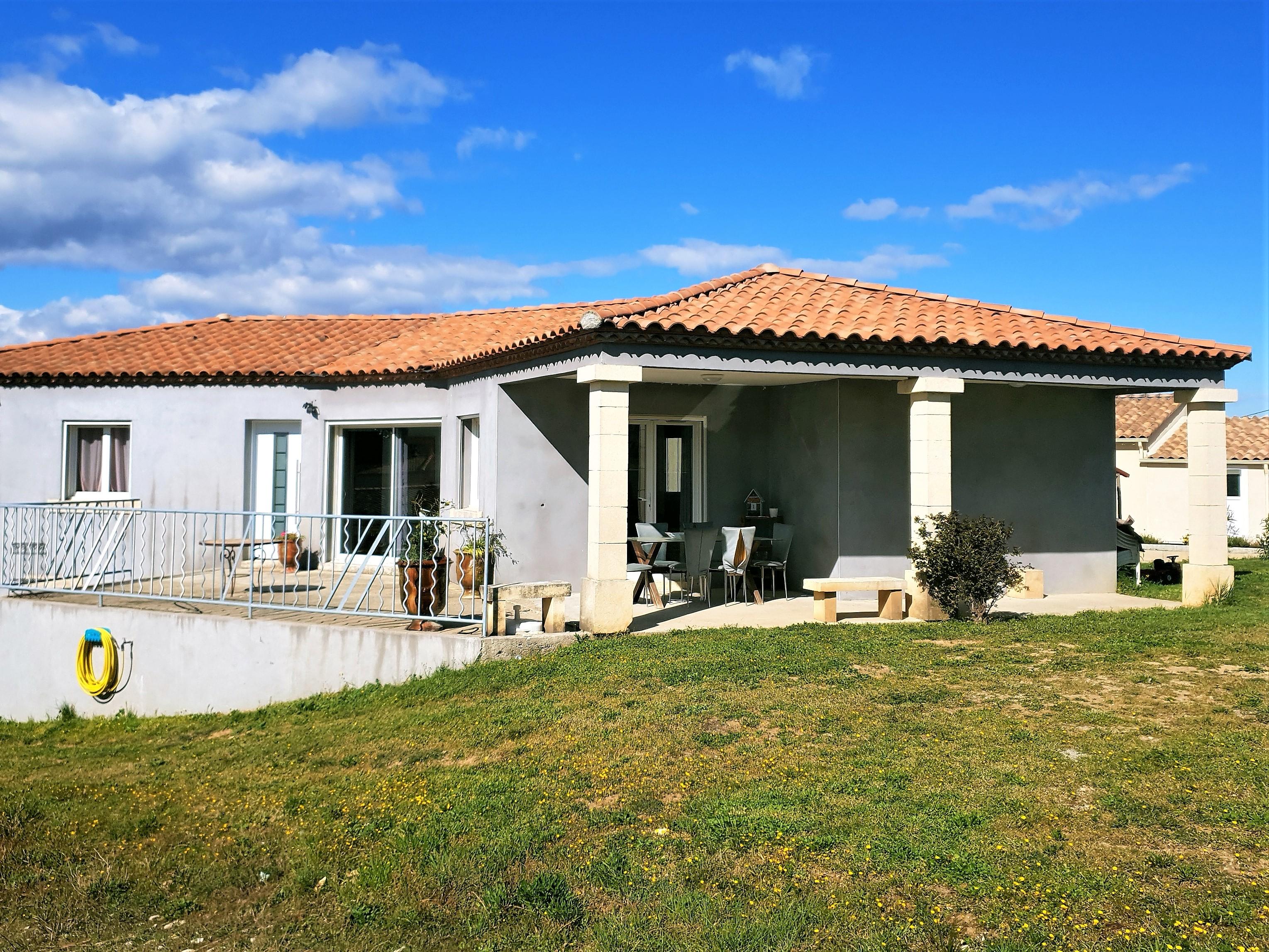 Villa de 2013 de 150m² avec terrain 1000m² 300000 €