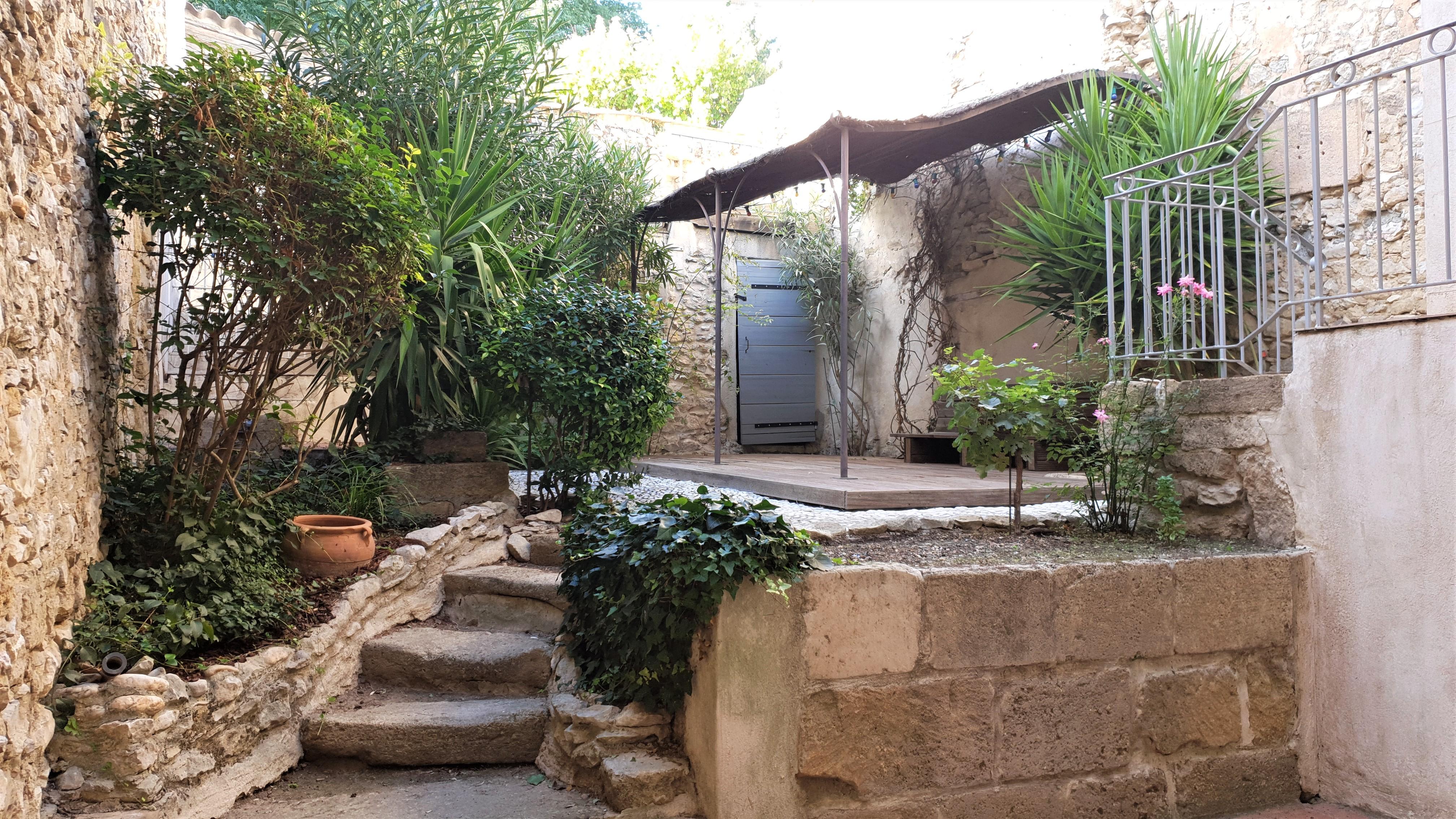 Maison de village de 170m² avec piscine 275000 €