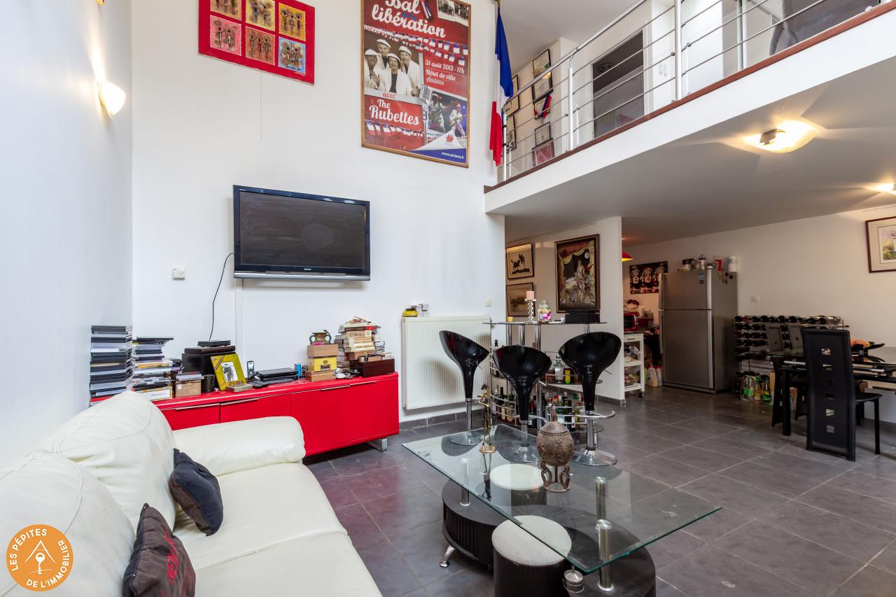 maison avec patio 264600 €