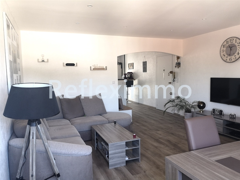 Appartement excellent état 2 chambres - salon - loggia 151500 €