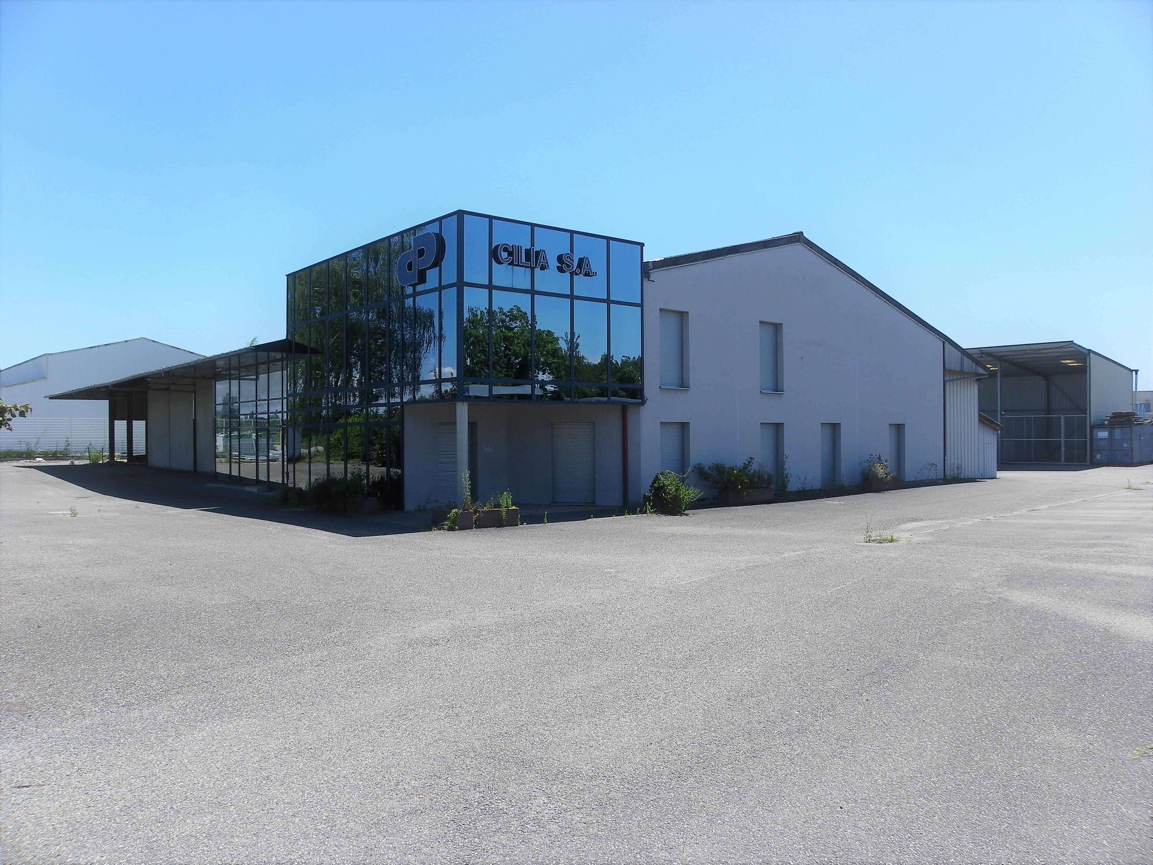 Entrepôt et bureaux 489000 €
