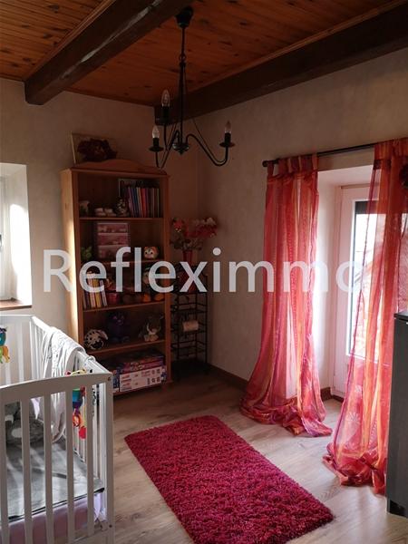 Maison en pierres 3 chambres, bureau, jardins 30 mn clermont Fd 209000 €