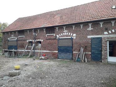 Ancien corps de ferme longère à moins de 15 kms de l'A1, proche de ROYE