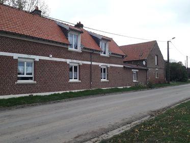 Ancien corps de ferme longère à moins de 15 kms de l'A1, proche de ROYE 310000 €