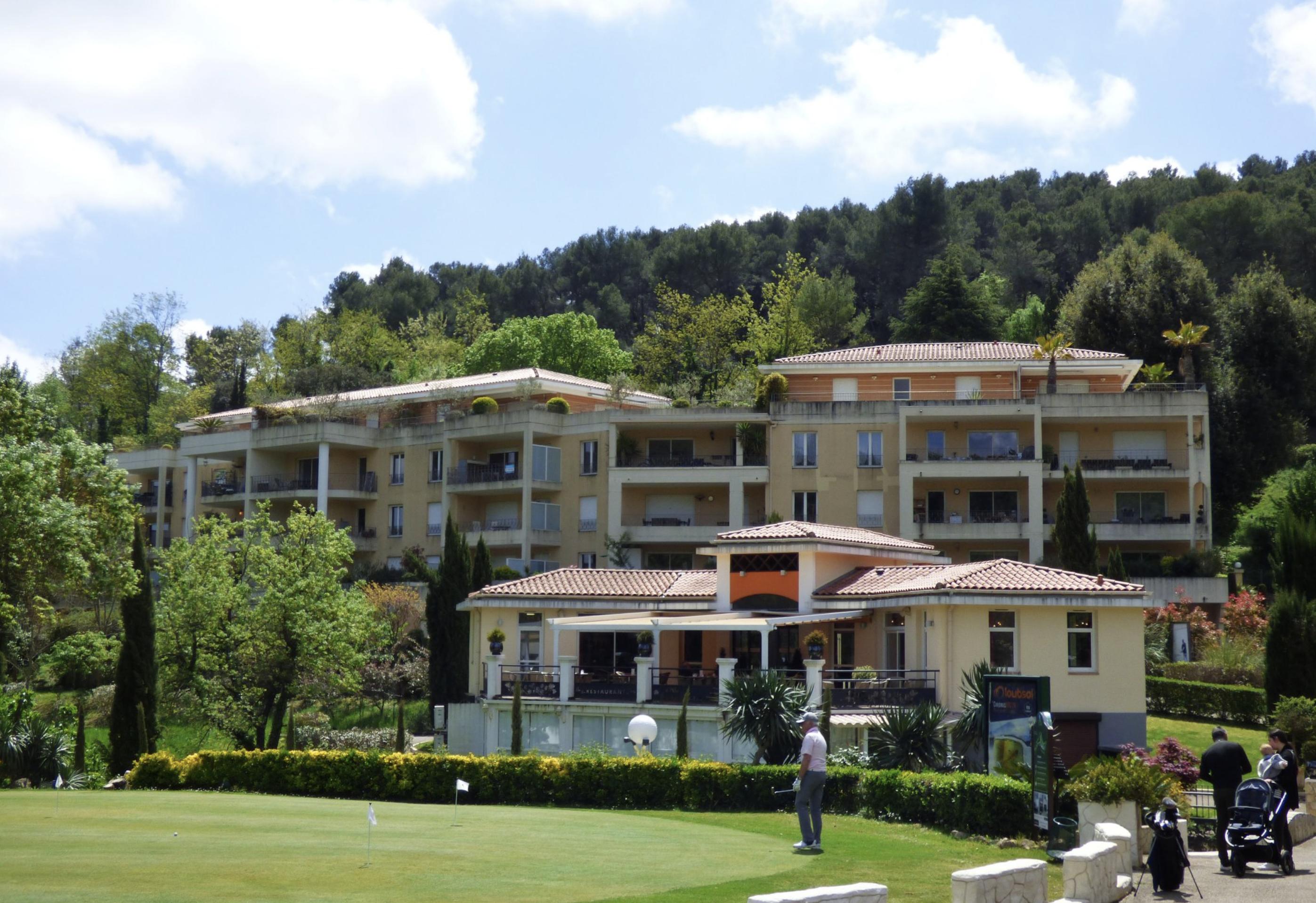 Superbe appartement T4 traversant de 91 m2 / Terrasse 50 m2 445000 €